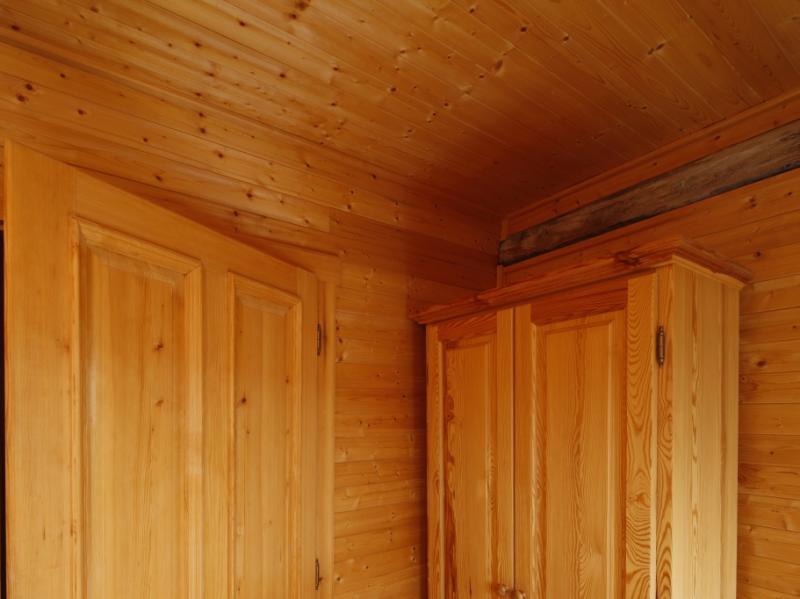 Boazerie drewniane do wewnatrz